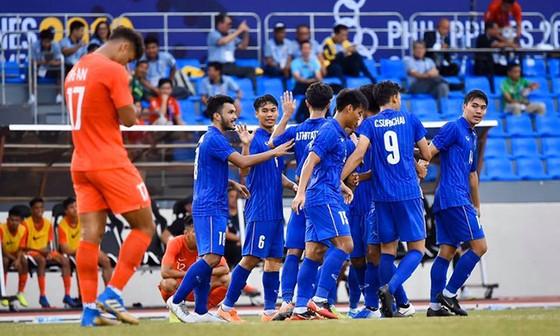 Thái Lan thắp lại hy vọng sau 2 chiến thắng liên tiếp. Ảnh: FAT