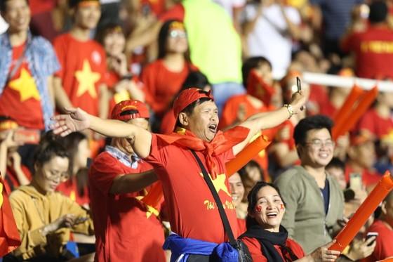 U22 Việt Nam - U22 Singapore 1-0: Giữ vững ngôi đầu bảng ảnh 2