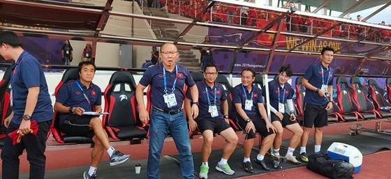 Việt Nam - Thái Lan 2-2: Việt Nam biến Thái Lan trở thành cựu vô địch  ảnh 4
