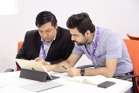 Ông Cao Văn Chóng bảo vệ thành công luận án tiến sĩ tại trường đại học uy tín hàng đầu Malaysia ảnh 1