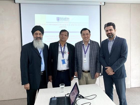 Ông Cao Văn Chóng bảo vệ thành công luận án tiến sĩ tại trường đại học uy tín hàng đầu Malaysia ảnh 2