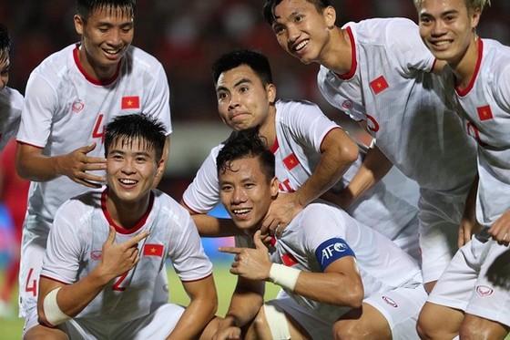 Bóng đá Việt Nam đã khép lại 1 năm rất thành công. Ảnh: Minh Hoàng