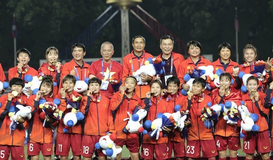 Phiếu bầu chọn Quả bóng vàng VN 2019 được gởi đến các đại biểu ảnh 1