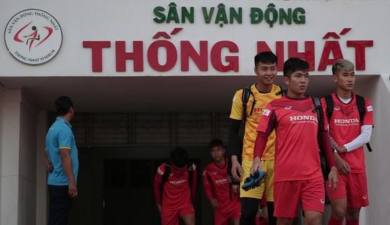Đội tuyển U23 Việt Nam ở buổi tập đầu tiên trên sân Thống Nhất. Ảnh: Dũng Phương