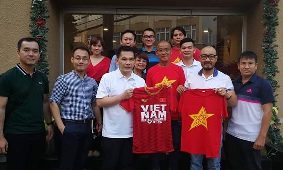 Thêm nhiều bạn đồng hành đến với U23 Việt Nam ảnh 2