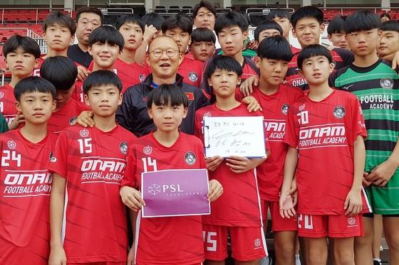 Thành Chung hé lộ thay đổi của ông Park ở trận đấu tập với Bình Dương  ảnh 2