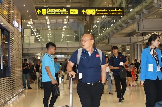 Những hình ảnh đầu tiên của U23 Việt Nam tại Bangkok (Thái Lan) ảnh 1