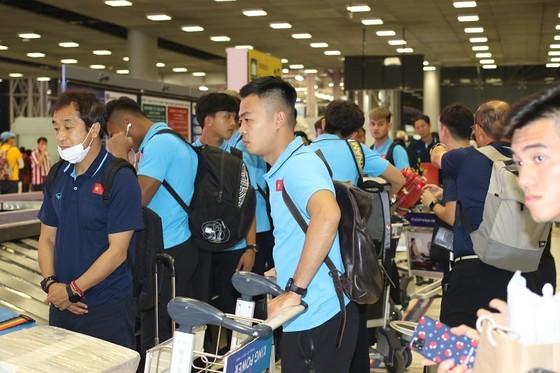 Những hình ảnh đầu tiên của U23 Việt Nam tại Bangkok (Thái Lan) ảnh 3