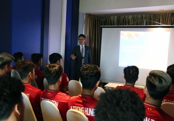 U23 Việt Nam làm quen với công nghệ VAR ảnh 1