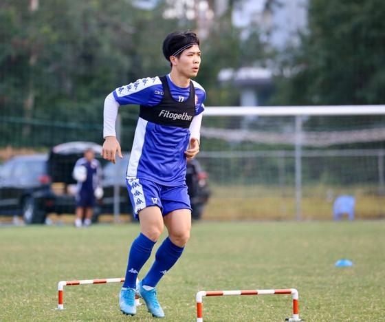 V-League 2020: Vẫn chỉ là cuộc đua giữa Hà Nội và TPHCM ảnh 1