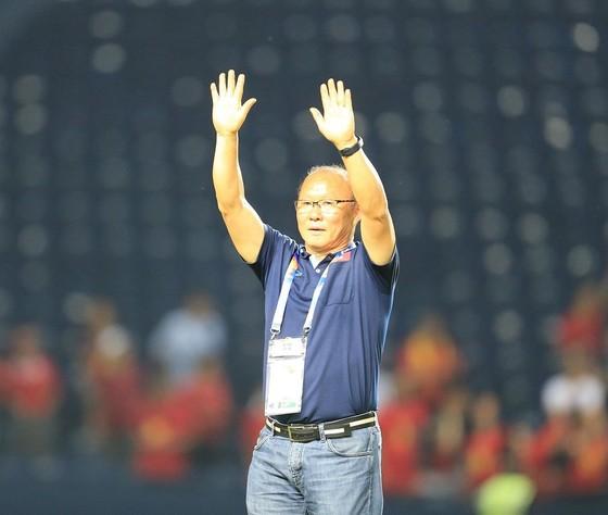 Vì sao Bùi Tiến Dũng bắt chính cho U23 Việt Nam ở trận gặp UAE?  ảnh 1