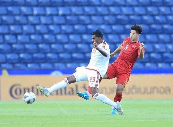 Vì sao Bùi Tiến Dũng bắt chính cho U23 Việt Nam ở trận gặp UAE?  ảnh 2
