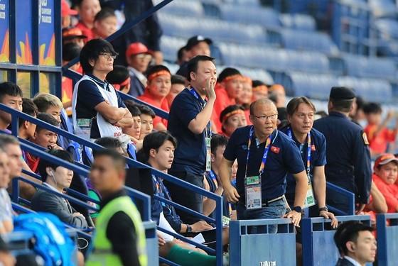 U23 Việt Nam - U23 CHDCND Triều Tiên: Tiến lên Việt Nam ảnh 1