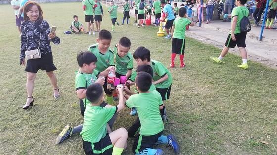Nở rộ mô hình bóng đá cộng đồng ở Huế  ảnh 2