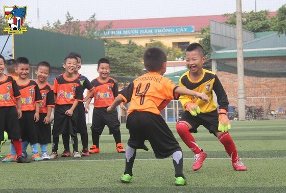 Nở rộ mô hình bóng đá cộng đồng ở Huế  ảnh 1
