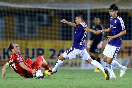 CLB Hà Nội bất bại trước TPHCM trong hai lần so tài ở mùa bóng 2019. Ảnh: MINH HOÀNG