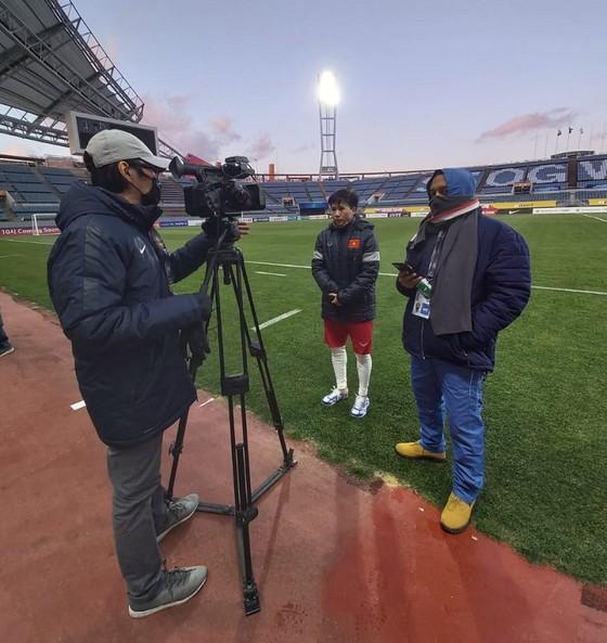 HLV Park Hang-seo dự khán trận 'chung kết' của tuyển nữ Việt Nam ảnh 2