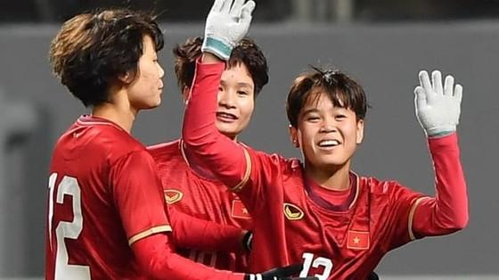 Vạn Sự đưa tuyển nữ Việt Nam đi tiếp ở vòng loại Olympic 2020 ảnh 2
