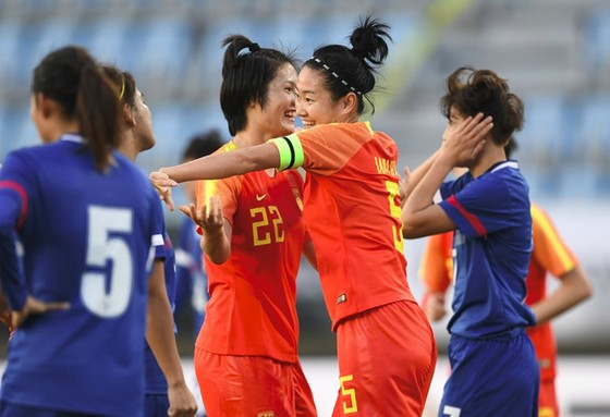 Đội nữ Trung Quốc gặp nhiều khó khăn do virus Corona