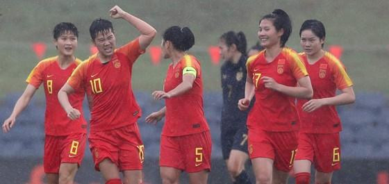 Thua thảm Trung Quốc 1-6, Thái Lan sớm dừng giấc mơ Olympic ảnh 1