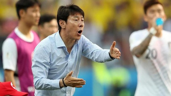 HLV Shin Tae-young. Ảnh Getty Images
