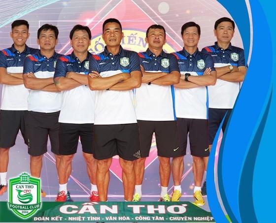 BHL đội Cần Thơ ở mùa bóng 2020. Ảnh: CTFC