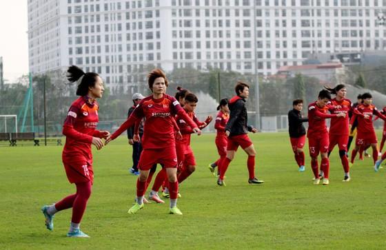 Đội tuyển nữ Việt Nam hội đủ lực lượng ảnh 1