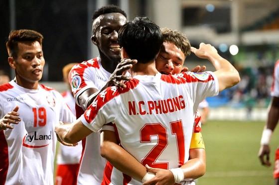 CLB TPHCM giành 3 điểm tại Singapore ảnh 1
