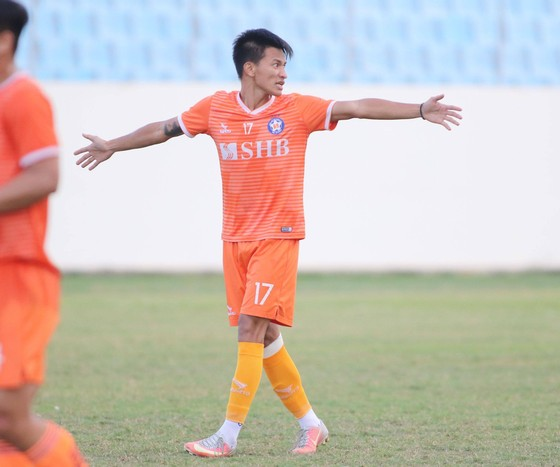 Tiền vệ Hồ Ngọc Thắng bất ngờ chia tay Đà Nẵng cận giờ mùa bóng khai cuộc. Ảnh: VIẾT ĐỊNH