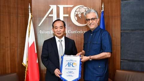 Ông  Sheikh Salman Bin Ibrahim Al-Khalifa trong lần tiếp đón Chủ tịch VFF Lê Khánh Hải