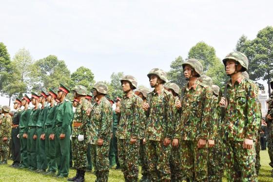 Trung đoàn Gia Định đón nhận Huân chương bảo vệ Tổ quốc Hạng III ảnh 2