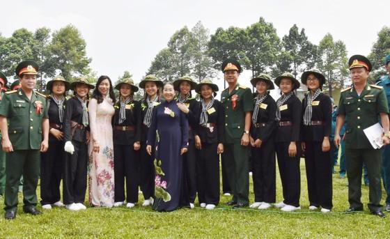 Trung đoàn Gia Định đón nhận Huân chương bảo vệ Tổ quốc Hạng III ảnh 8