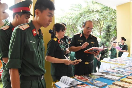 Quân khu 7 triển lãm ảnh kỷ niệm 72 năm ngày Thương binh - Liệt sĩ ảnh 3