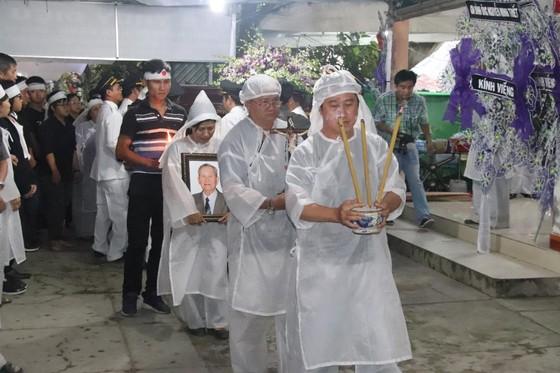"""Nhân sĩ Nguyễn Hữu Hạnh đã an nghỉ nơi quê hương """"Đất thép thành đồng"""" ảnh 5"""