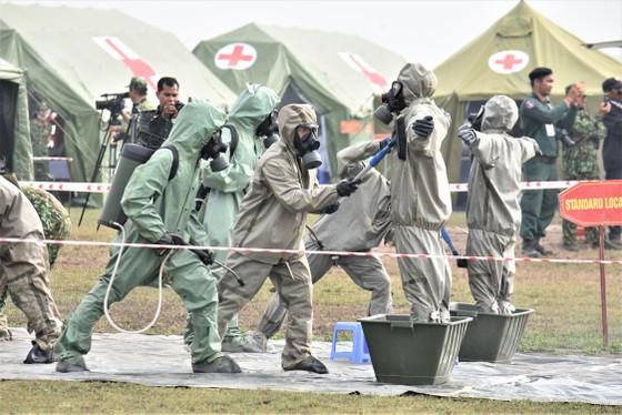 Việt Nam – Campuchia diễn tập cứu hộ, cứu nạn khu vực biên giới đất liền   ảnh 10