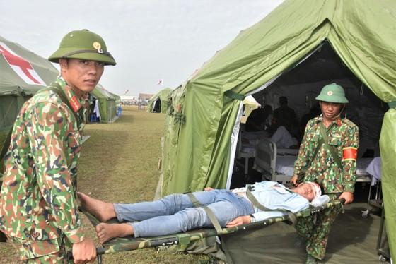 Việt Nam – Campuchia diễn tập cứu hộ, cứu nạn khu vực biên giới đất liền   ảnh 16