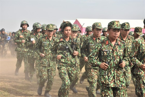 Việt Nam – Campuchia diễn tập cứu hộ, cứu nạn khu vực biên giới đất liền   ảnh 9