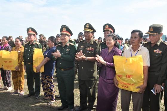 Việt Nam – Campuchia diễn tập cứu hộ, cứu nạn khu vực biên giới đất liền   ảnh 2