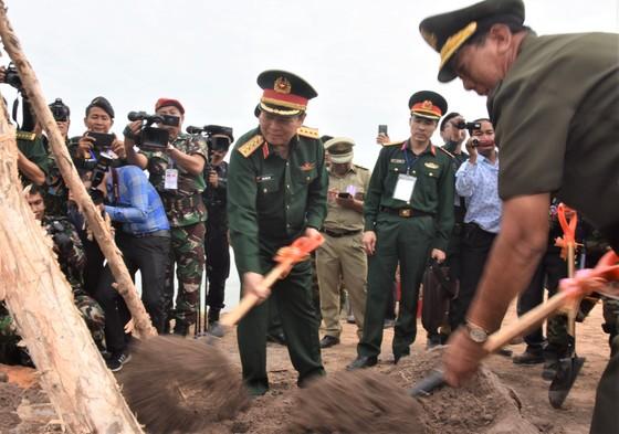 Việt Nam – Campuchia diễn tập cứu hộ, cứu nạn khu vực biên giới đất liền   ảnh 7