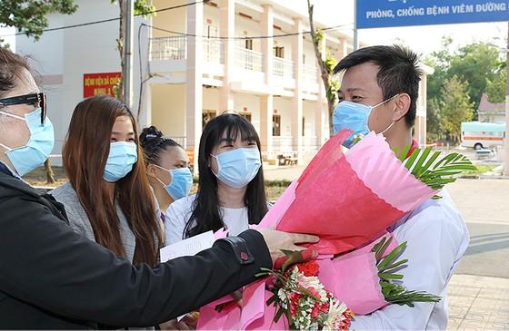 4 bệnh nhân mắc Covid-19 tại TPHCM xuất viện ảnh 2