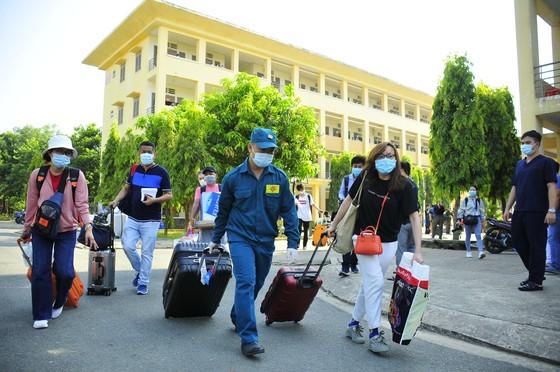 TPHCM thêm 930 công dân hoàn thành cách ly ảnh 6