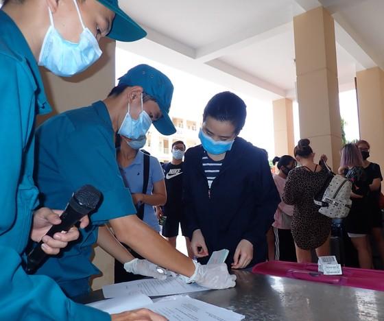 TPHCM thêm 930 công dân hoàn thành cách ly ảnh 5