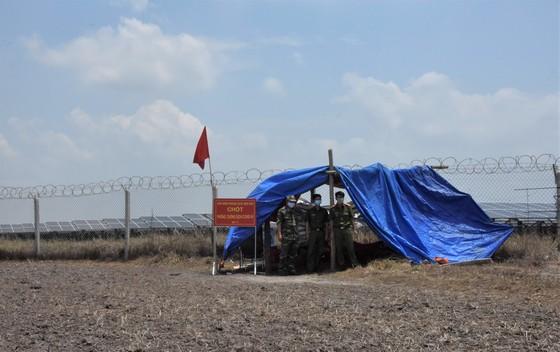 Quân khu 7 thăm hỏi, tặng quà lực lượng phòng dịch tuyến biên giới ảnh 8