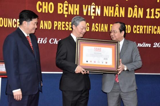 Bệnh viện Nhân Dân 115 đón nhận 3 kỷ lục châu Á ảnh 2