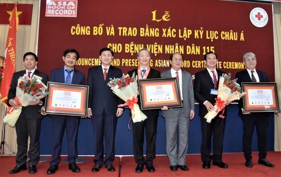Bệnh viện Nhân Dân 115 đón nhận 3 kỷ lục châu Á ảnh 1