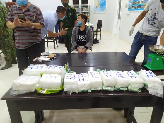 Đặc nhiệm Biên phòng miền Nam triệt phá đường dây ma túy lớn từ Campuchia về TPHCM ảnh 2