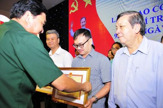 Đảng ủy, Bộ Tư lệnh Quân khu 7 tổ chức họp mặt nhân kỷ niệm 95 năm ngày Báo chí cách mạng Việt Nam ảnh 2