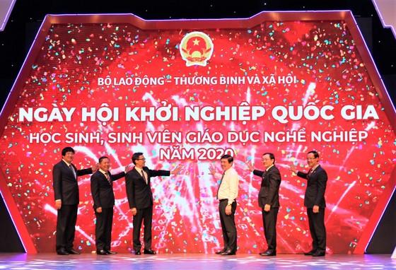 Ai là người làm cho đất nước giàu, nếu như không phải là người Việt Nam ảnh 4