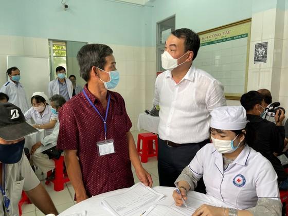 """Bắt đầu tiêm thử nghiệm vaccine Covid-19 """"made in Vietnam"""" giai đoạn 2 tại Long An ảnh 7"""