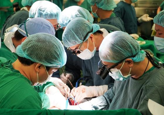 Tri ân các chiến sĩ CSGT hỗ trợ bệnh viện vận chuyển, ghép tạng ảnh 4
